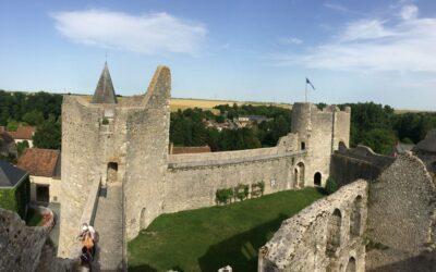Exposition sur les châteaux forts au CDI